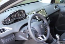 Peugeot 208 1.2 VTi, interior (III)
