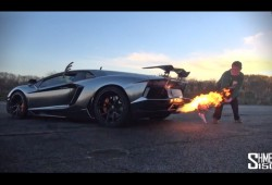El Lamborghini Aventador se encarga de la cena de Navidad
