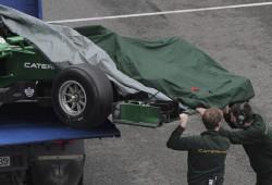 Jenson Button y los problemas de Renault marcan el día 2 de entrenamientos