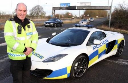 Un McLaren MP4-12C, el nuevo coche de la policía británica