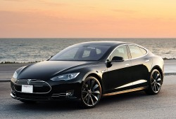 El Tesla Model S tendrá tracción total y mayor autonomía