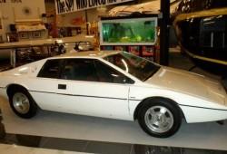 La colección de coches de James Bond más grande del mundo, a la venta