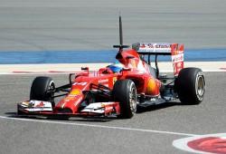 Fernando Alonso segundo en el doblete de Sergio Pérez en Sakhir
