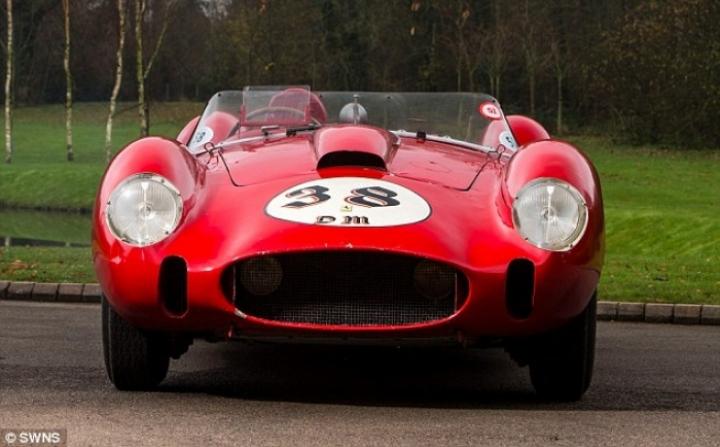 Se subasta un Ferrari 250 Testa Rossa por valor de 28 millones de Euros