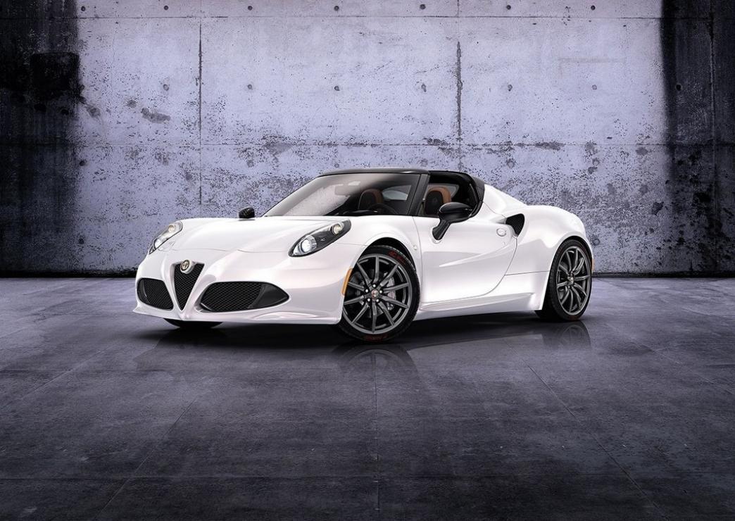 Alfa Romeo 4C Spider, con el cielo como techo