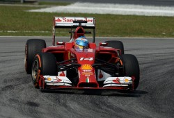 Sepang le dibuja la sonrisa a Alonso