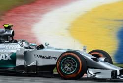 Rosberg marca el camino en los libres en Sepang