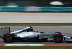 Rosberg y Hamilton dominan con contundencia en los últimos libres