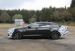 Jaguar XJR 2015, al descubierto su restyling