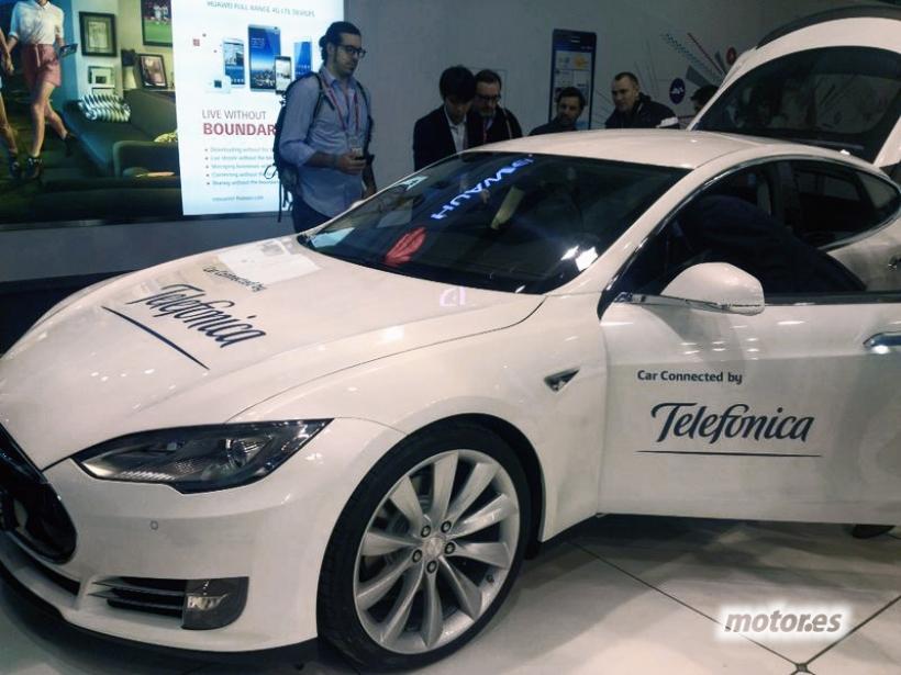 Telefónica y Tesla se unen para conectar los coches a Internet