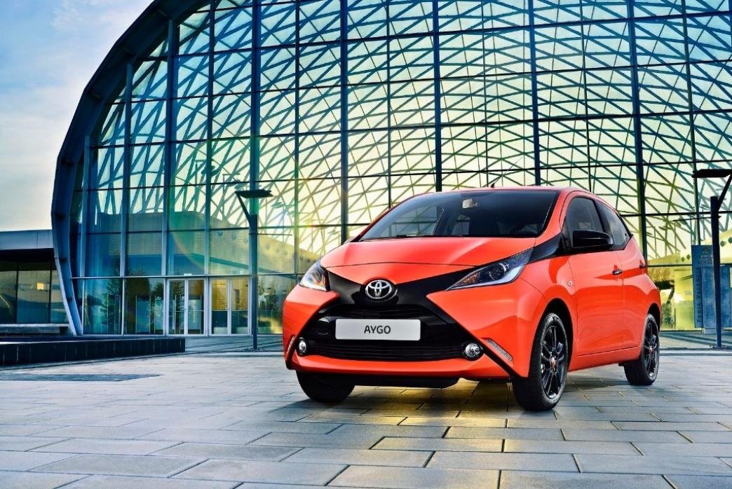 Toyota Aygo 2015, todos sus datos oficiales e imágenes