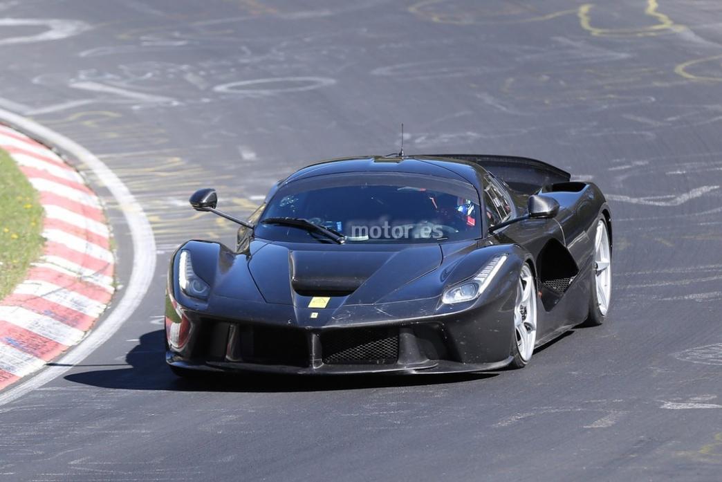 Ferrari LaFerrari XX, la bestia ya se entrena en Nürburgring