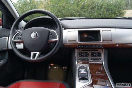 Jaguar XF Sportbrake 2.2D 200cv: Interior