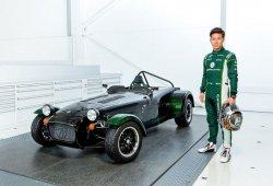 Kobayashi da nombre a un Caterham Seven exclusivo para Japón