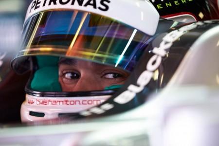 Mercedes domina los primeros libres en Mónaco