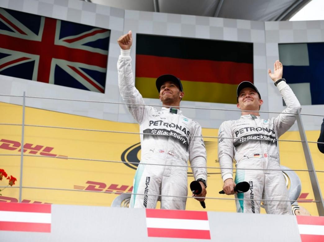 Rosberg y Hamilton dan una nueva lección magistral