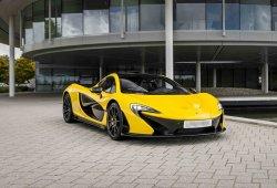 El McLaren P1 y el Bugatti Veyron se enfrentan en una carrera ilegal