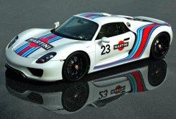 El Porsche 918 Spyder se enfrenta en una drag race al McLaren 650S Spider y el Koenigsegg Agera R