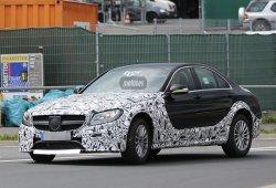 Un extraño Mercedes Clase C pillado en fase de pruebas