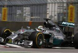 Hamilton rompe la baraja en los últimos libres
