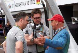 Lauda reconoce la dificultad de tener dos pilotos duros