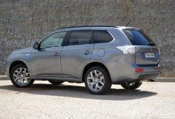 Mitsubishi Outlander PHEV (II): Precio, prueba, tecnología, ficha técnica y equipamiento