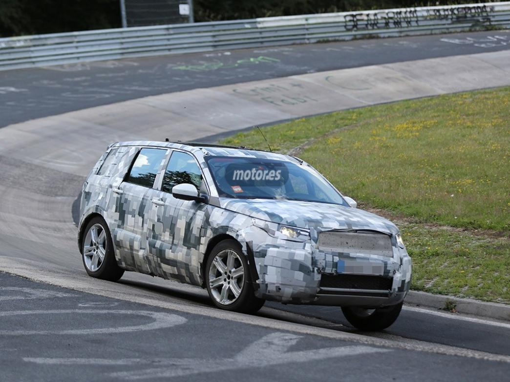 El interior del futuro Land Rover Discovery Sport 2015 en fotos espía