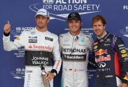 Rosberg conquista la caótica pole en mojado en Silverstone