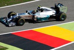 Rosberg y Hamilton superan a un solvente Alonso en los terceros libres