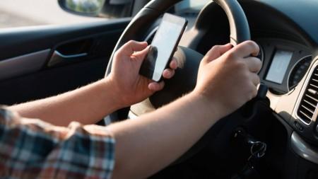 Los 10 malos hábitos más comunes al volante