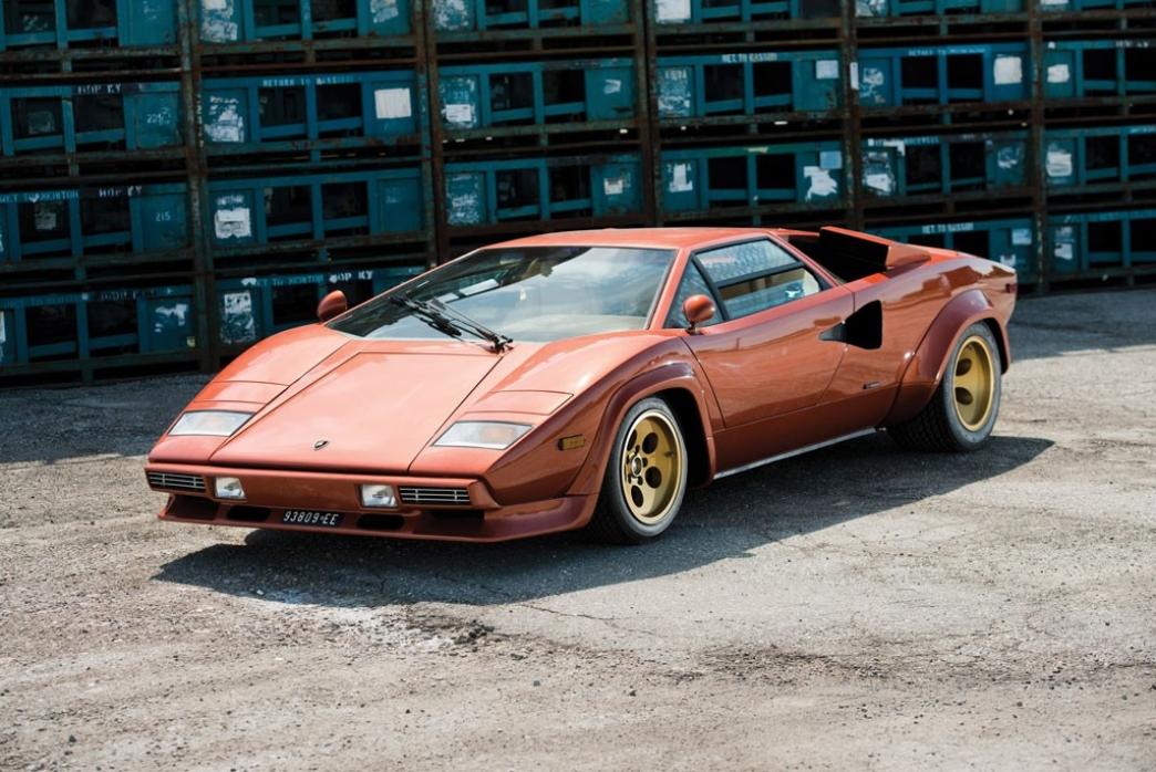 ¿Cuánto vale un Lamborghini Countach de 1979 con 864 kilómetros?