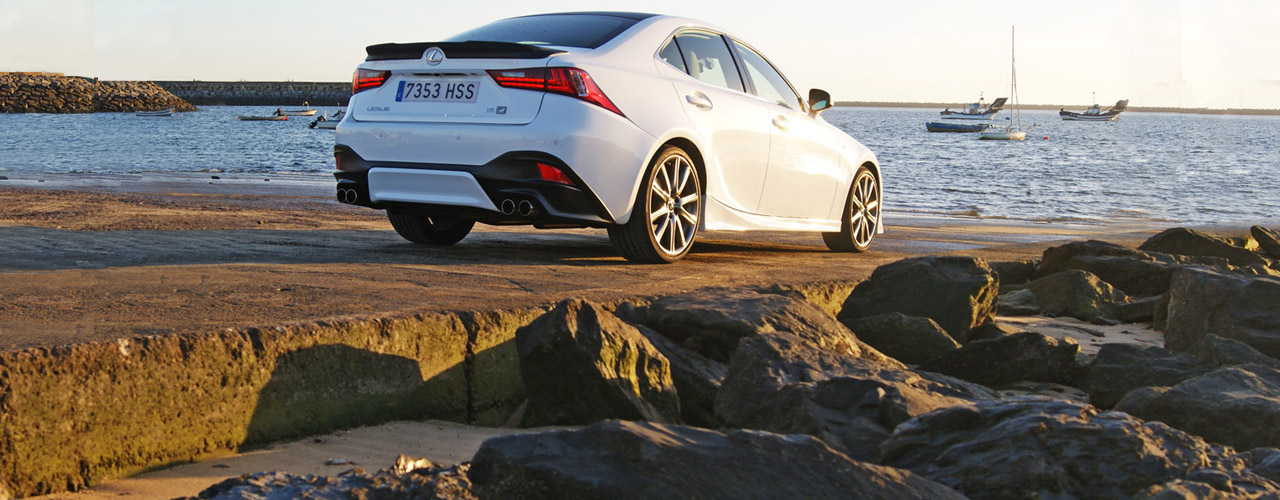 Lexus IS 25 Aniversario: exterior e interior