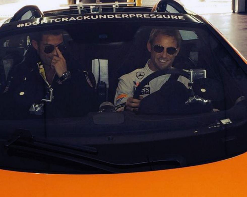 Jenson Button y Cristiano Ronaldo se divierten con los McLaren P1 y 650S Spider