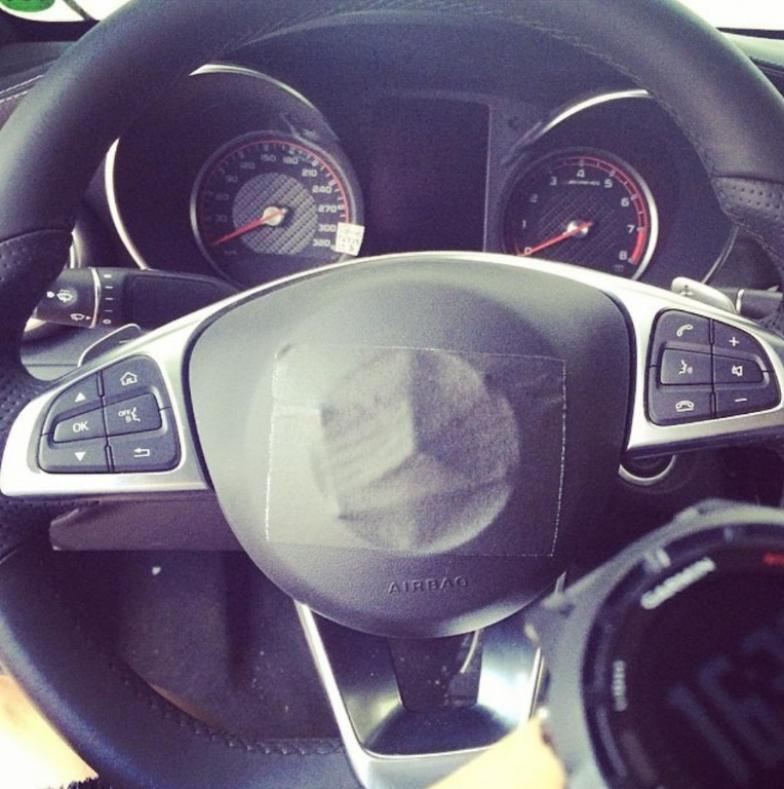 Mercedes-Benz C63 AMG 2015, filtradas las fotos de su interior