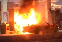 Un Porsche 918 Spyder sale ardiendo en una gasolinera de Canadá (vídeo)