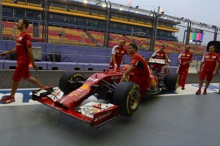 Fernando Alonso, primero en los entrenamientos libres