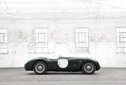 Jaguar ofrece la posibilidad a sus clientes de conducir modelos clásicos y el F-Type Coupe R