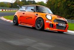 Un MINI es más rápido que el Pagani Zonda en Nürburgring