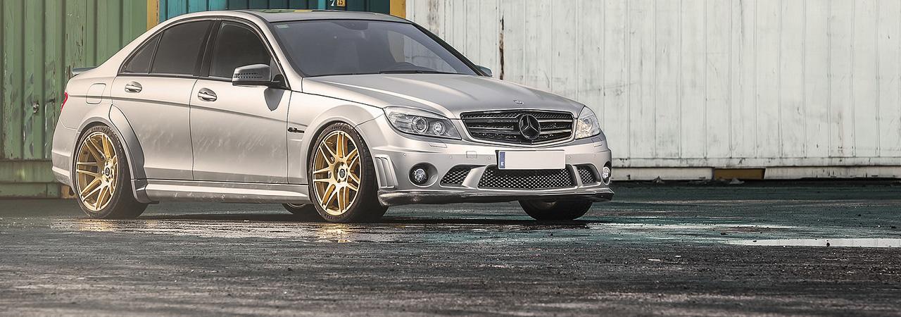 Mercedes-Benz C63 AMG GTR 530cv por GTR Autoparts