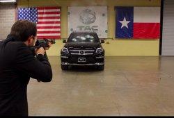 Este Mercedes GL blindado se pone a prueba con un rifle de asalto