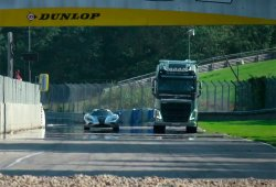 Ya tenemos los resultados, Volvo Trucks vs Koenigsegg One:1
