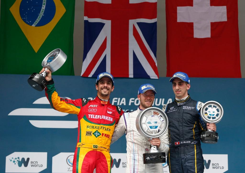 Sam Bird gana la segunda carrera de la temporada en Malasia
