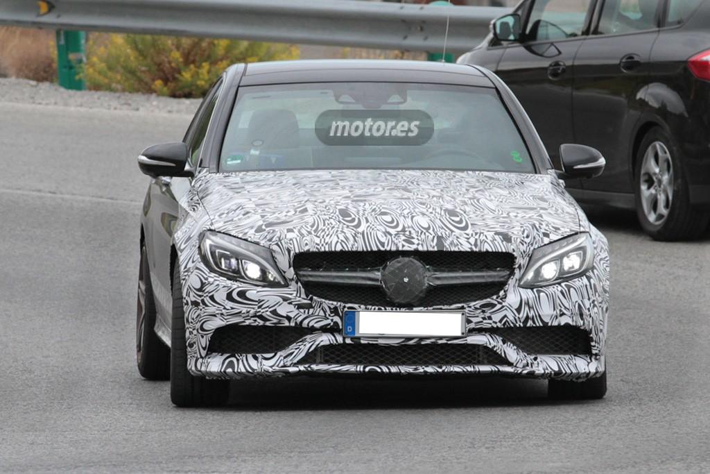 Exclusiva: Cazado el Mercedes Clase C 450 AMG Sport con motor V6 de 367 CV
