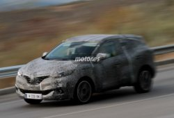 Renault SUV 2016 pillado en video