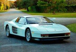 Sale a subasta el Ferrari Testarossa de la serie Corrupción en Miami