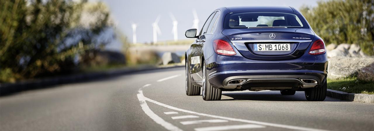 Mercedes C 350 PLUG-IN HYBRID, 279 CV y tan sólo 2,1 litros de consumo