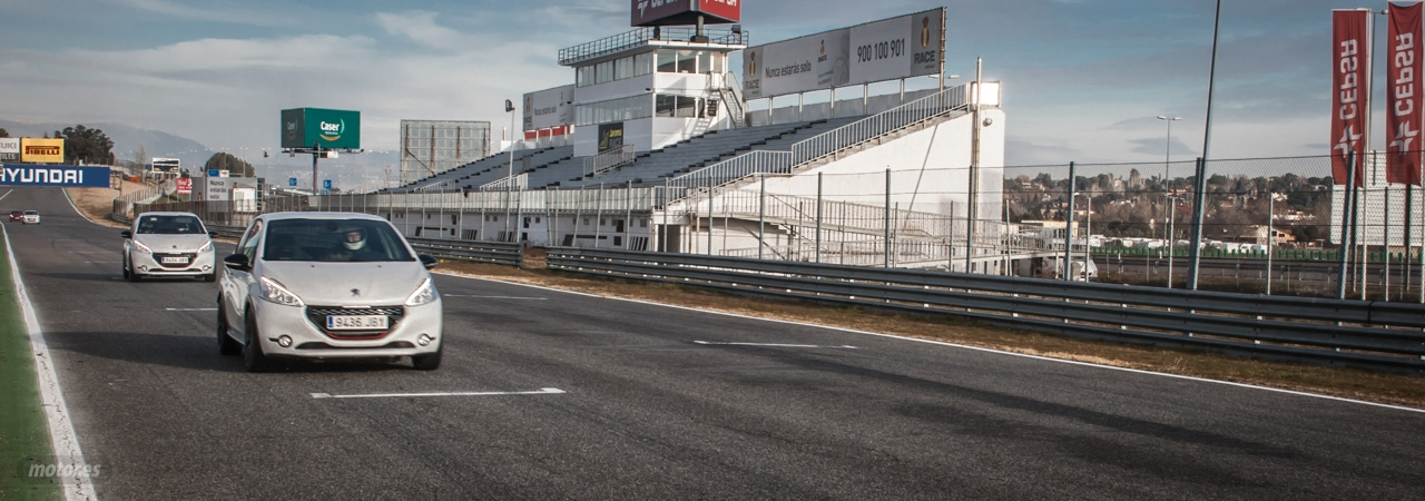 Peugeot 208 GTi 30 Aniversario, toma de contacto en el circuito del Jarama