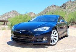 Dormir en el maletero de un Tesla Model S por 85 dólares/noche es posible