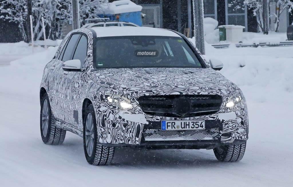Mercedes GLC híbrido enchufable avistado en pruebas