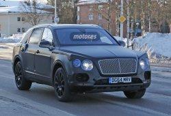 El Bentley Bentayga sigue paseándose camuflado